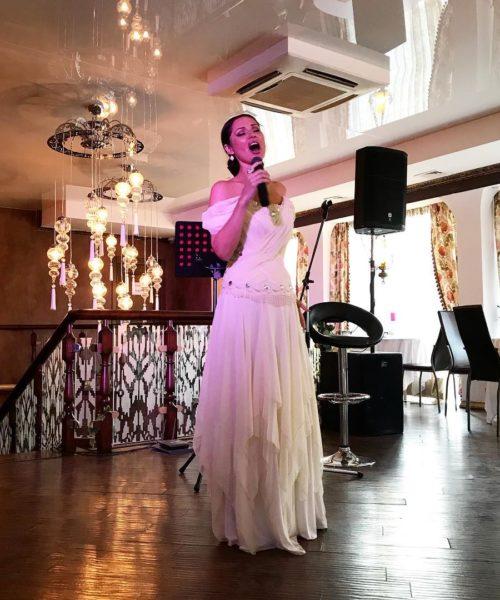 Живая музыка Светлана Котова в лаунж-кафе Тифлис (TIFLIS)